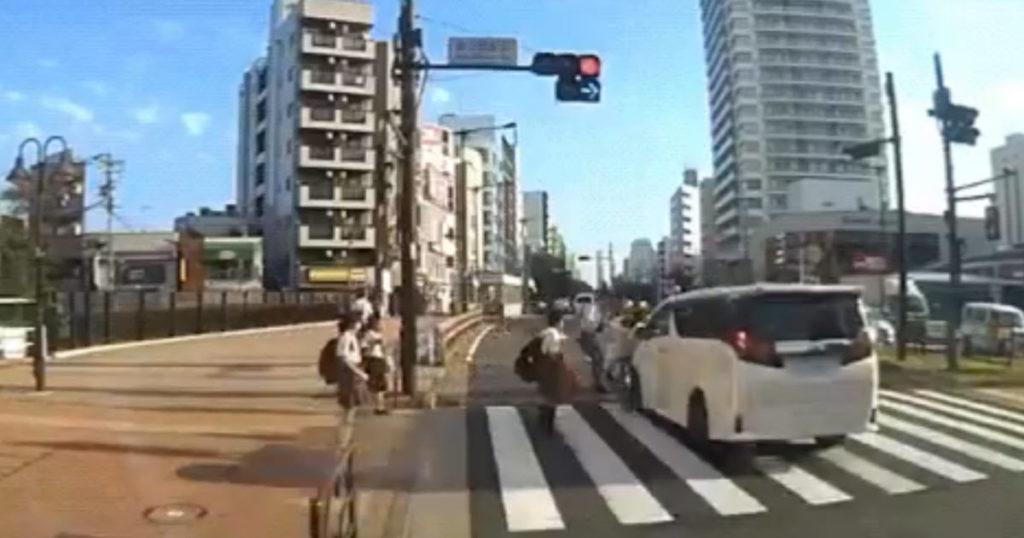 吉澤ひとみ容疑者が轢き逃げする瞬間がドラレコで撮影されていた。これはひどい・・・